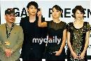组图:姜东元等出席《M》新闻发布会 现场混乱