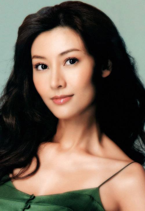 女人_组图:优雅女人李嘉欣狗亚app官方 低胸秀出绝色红颜
