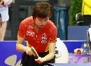 图文:乒球世界杯女团决赛 张怡宁侧身发球