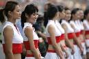 图文:[F1]中国大奖赛正赛 车模红白内衣展风采