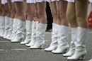 图文:[F1]中国大奖赛正赛 车模美腿整齐划一