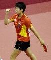 图文:乒球世界杯女团决赛 郭跃挥拳庆祝胜利