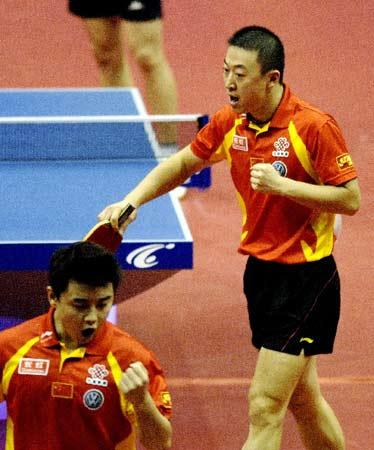 图文:乒乓球团体世界杯 马琳王皓双打建功勋