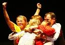 图文:波兰获女花团体金牌 波兰队欢庆胜利