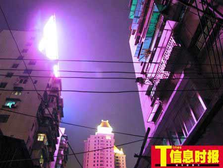 图为龙庆大街附近被光污染。黄亦民 摄