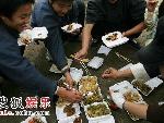 剧组中都使用这种环保筷子