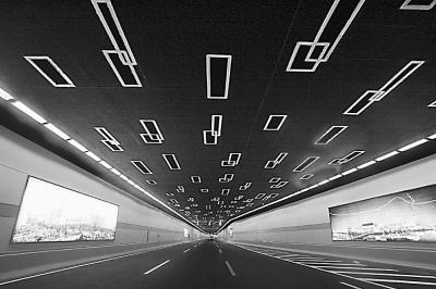 最长湖底隧道在苏州通车