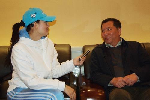 记者宫燕采访李丹平局长