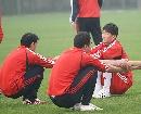 图文:国足国奥香河集训 戴琳训练中