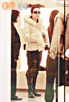 设计对白:盲人穿这件大衣好看么?