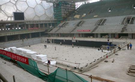 图文:奥运场馆火热建设中 水立方场馆内部