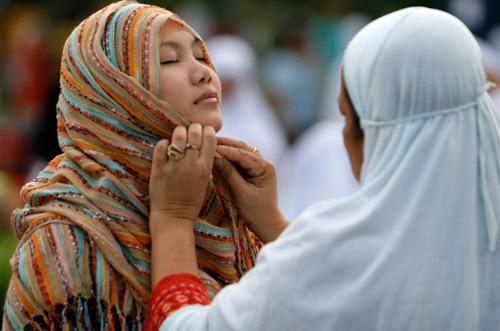 全球穆斯林迎接开斋节(组图)