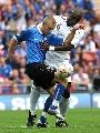 图文:[欧预赛]英格兰3-0爱沙尼亚 黑塔贴身防守
