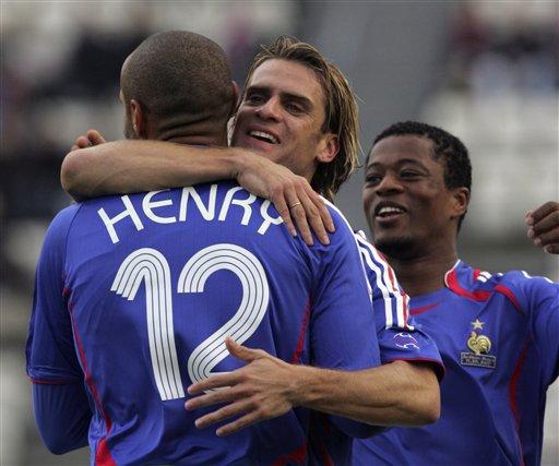 图文:[欧预赛]法罗群岛VS法国 伟大的号码