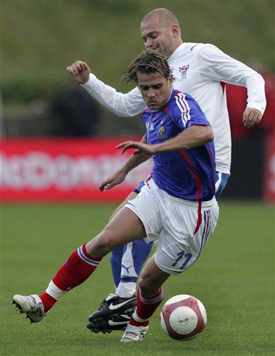 图文:[欧预赛]法罗群岛0-6法国 罗滕归来