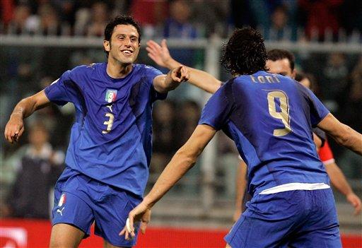 图文:[欧预赛]意大利2-0格鲁吉亚 格罗索谢托尼