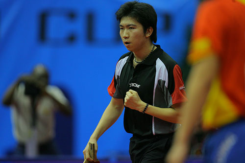 图文:男乒世界杯1/4决赛 柳承敏庆祝得分