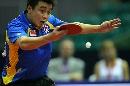 图文:男乒世界杯1/4决赛 反手回球相当熟练