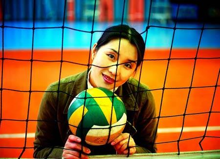 孙玥1973年出生在江苏一个排球世家,其父是原江苏女排教练高清图片