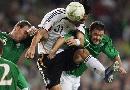 图文:[欧预赛]德国VS爱尔兰 力拔山兮气盖世