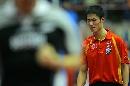 图文:男乒世界杯半决赛 王励勤懊恼自己表现