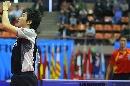 图文:男乒世界杯半决赛 柳承敏振臂高呼