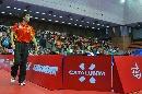 图文:男乒世界杯半决赛 王励勤遗憾走出赛场