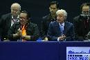 图文:男乒世界杯三四名决赛 萨马兰奇加油助威