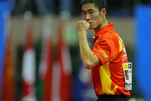 图文:男乒世界杯三四名决赛 王励勤完胜波尔