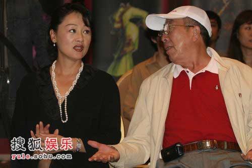 王姬与雷恪生讨论角色