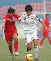 图文:[亚青赛]中国1-0韩国 李冬娜突破
