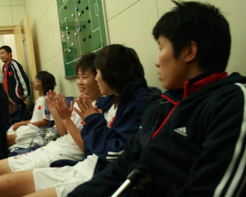 图文:[亚青赛]中国1-0韩国 马晓旭把门而坐