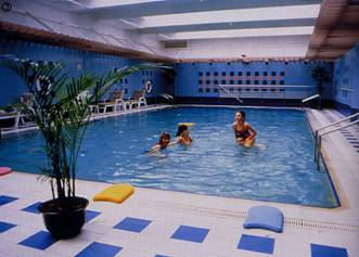 银星皇冠假日酒店室内泳池