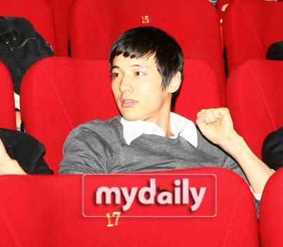 元彬参加《M》VIP首映仪式