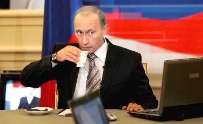 普京昨天用3小时零5分钟回答了俄罗斯人民提出的72个问题。IC图