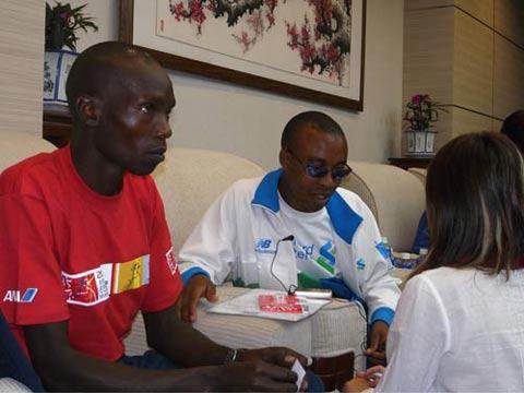 科内(左)和伊约基接受搜狐采访
