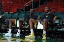 图文:[NBA]火箭VS超音速  杜兰特和格林休息