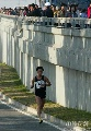 图文:07北京马拉松开跑 运动员接受观众鼓掌
