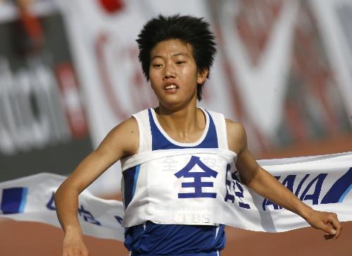图文:07北京国际马拉松比赛 女子组冠军陈荣