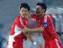 图文:[资格赛]国足7-0缅甸 刘健与李玮峰庆祝