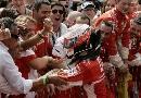 图文:[F1]巴西大奖赛正赛 共同庆祝胜利