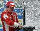 图文:[F1]巴西大奖赛正赛 喷洒胜利的香槟