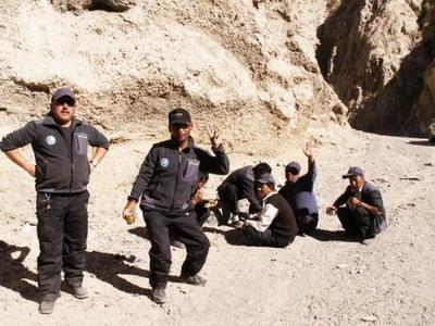 藏族司机们很会摆pose