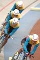 图文:自行车男团追逐赛昆明队夺冠 昆明队超越