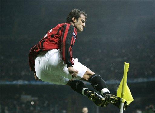 吉拉迪诺在联赛与欧冠中皆有梅开二度的良好表现