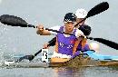 图文:女子皮划艇12公里比赛 少年英雄来挑战