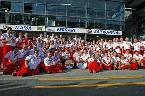 图文:[F1]07澳大利亚站回顾 莱科宁法拉利首胜