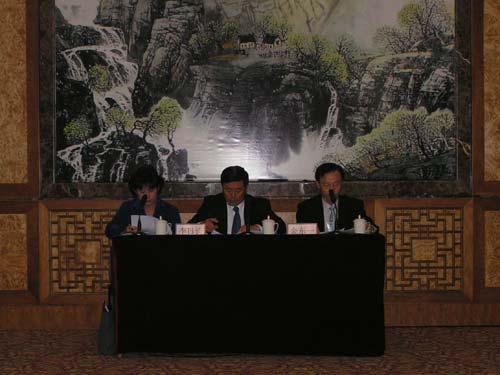 现代起亚汽车集团李日长副社长回答提问