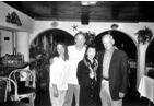 温燕与阿波罗11号登月宇航员奥尔德林及其儿子的合影