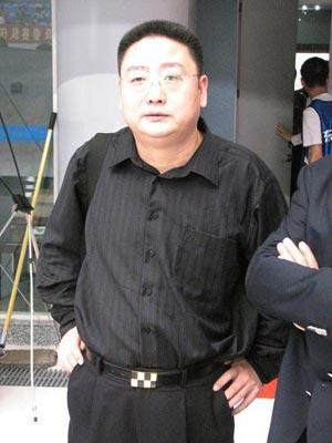 国家游泳队主教练张亚东
